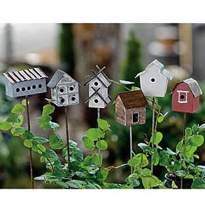 Mini Vintage Birdhouse Pick